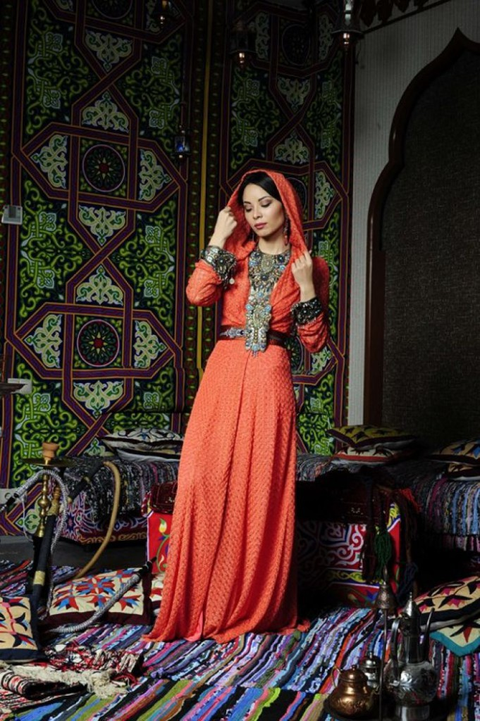 элемент арабской одежды джелоба