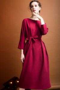 вишневый цвет в одежде